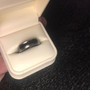 NWT Ladies/Men's TITANIUM ring Size 10
